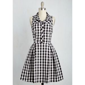 { Modcloth } Atlanta Adventure Dress Black White